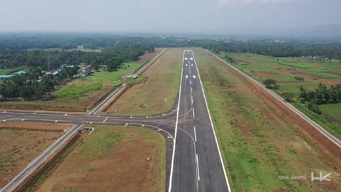 Landasan pacu Bandara Purbalingga