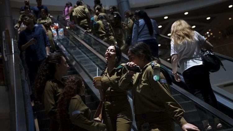 Makin Berani! Israel Cabut Aturan Masker di Dalam Ruangan