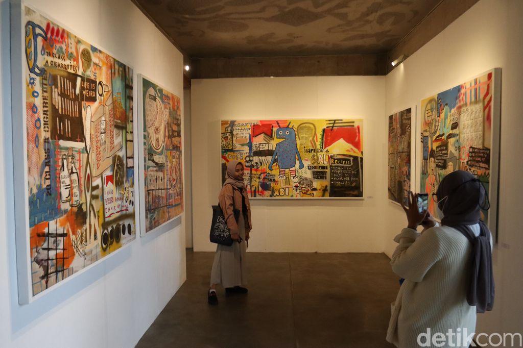Pameran lukisan Tumpang Tindih karya Donni Afrianto