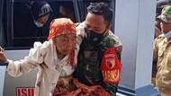 Percepat Vaksinasi, Satgas COVID-19 Jemput Lansia di Banyuwangi