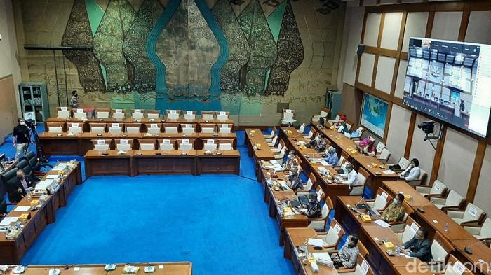 Rapat Komisi VII DPR bersama Terawan Agus Putranto