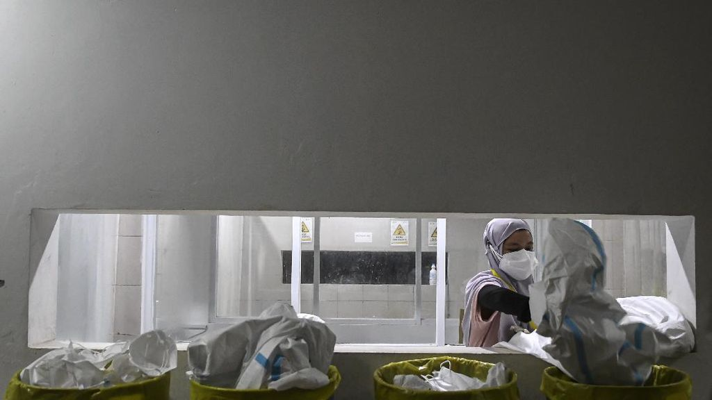 Epidemiolog Prediksi Faskes Bisa Kolaps dalam 2-4 Minggu Lagi