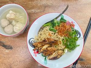 Sedjuk: Lezatnya Bakmi Ayam Oven dan Es Kopi di Gang SCBD