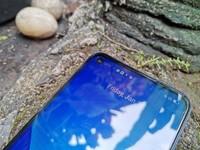 Foto unboxing Realme 8 5G. Realme 8 5G resmi masuk Indonesia pada peluncuran 16 Juni 2021. Perangkat ini akan menjadi HP 5G dengan harga terjangkau. Realme 8 5G dipatok harga Rp juta.  Kali ini, detikINET berkesempatan untuk mengulas ponsel Realme 8 5G dengan RAM 8 GB. Sebagai informasi, Realme 8 5G dibekali chipset Dimensity 700 5G Processor. Dalam box, Realme menyertakan silicon case, 18W quick charge, kabel USB Type-C, buku panduan, kartu garansi, dan SIM ejector.
