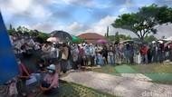 Animo Warga Tinggi, Kerumunan Terjadi Saat Vaksinasi COVID di Cilegon