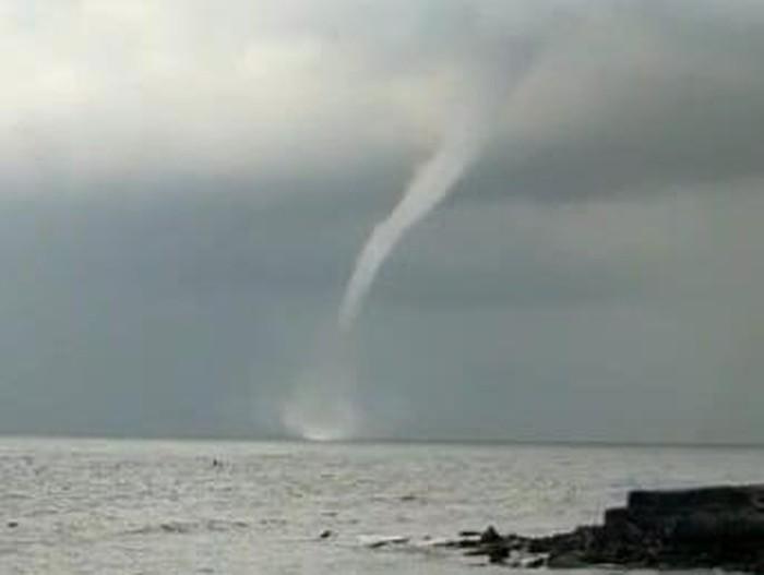 waterspout di banyuwangi