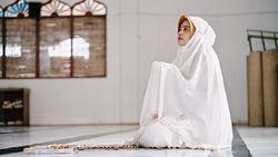 Daftar 7 Sholawat yang bisa Dibaca saat Berdoa pada Allah SWT
