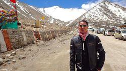 Bukan Cuma Jago Masak, Chef Juna Pernah Touring ke Himalaya Naik Moge