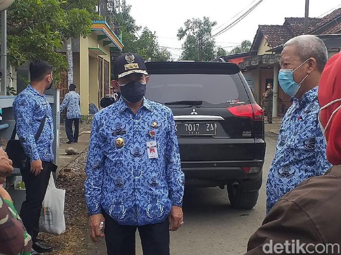 Bupati Pati Haryanto usai meninjau PT Dua Kelinci, Kamis (17/6/2021).