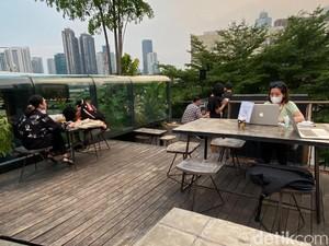 Menikmati Senja di Rooftoop Sambil Dinner di Restoran Egghotel