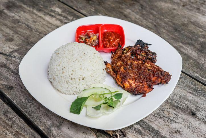 Viral Kafe Tawarkan Nasi Ayam Betutu Seharga Rp 36 Juta, Ini Fakta Sesungguhnya!