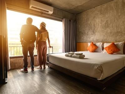 12 Tips Rahasia Aman Wisata dan Menginap di Hotel