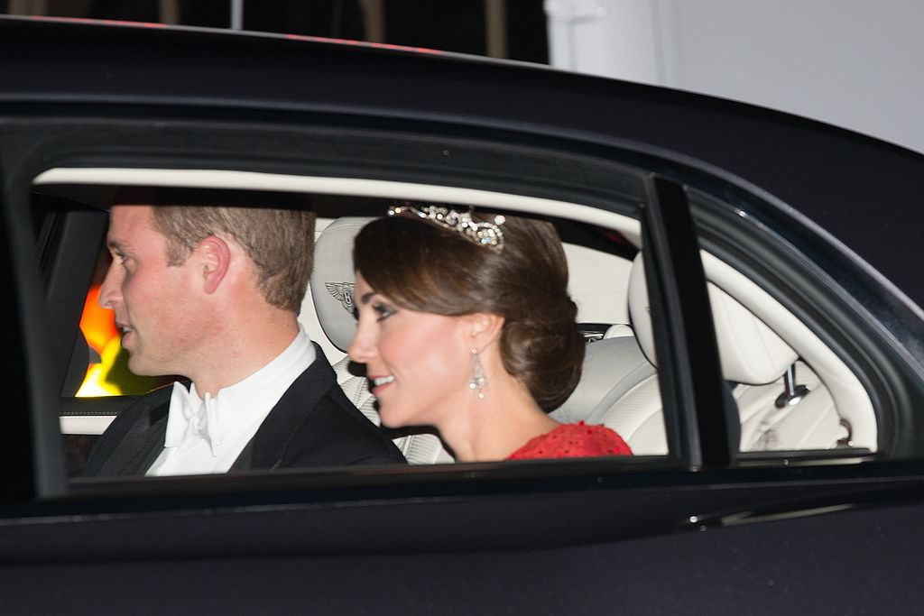 LONDON, ENGLAND - OCTOBER 20: Prince William, Duke of Cambridge (L) and his wife Catherine, Duchess of Cambridge wearing a tiara made by Garrard London, arrive for a state banquet to honour the state visit by China's President, Xi Jinping on October 20, 2015 in London, England. The President of the People's Republic of China, Mr Xi Jinping and his wife, Madame Peng Liyuan, are paying a State Visit to the United Kingdom as guests of The Queen. They will stay at Buckingham Palace and undertake engagements in London and Manchester. The last state visit paid by a Chinese President to the UK was Hu Jintao in 2005.  (Photo by Carl Court/Getty Images)
