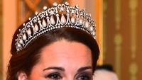 9 Momen Anggun Kate Middleton Pakai Tiara Mewah, Aura Ratunya Terpancar