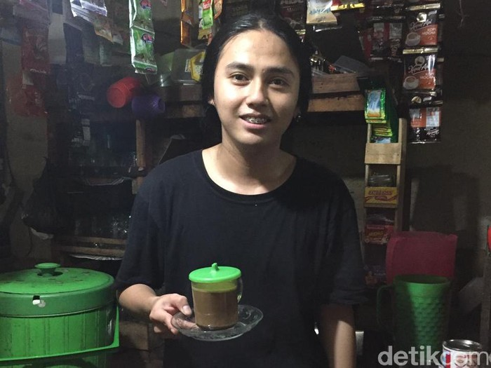 penjual kopi cowok tapi cantik
