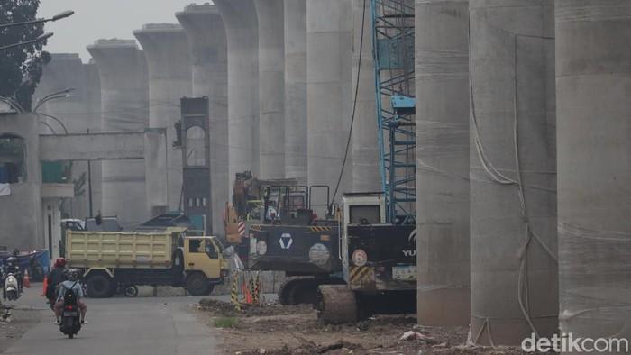 Progres pembangunan proyek Kereta Cepat Jakarta Bandung (KCJB) terus dipercepat. Penasaran seperti apa penampakannya?