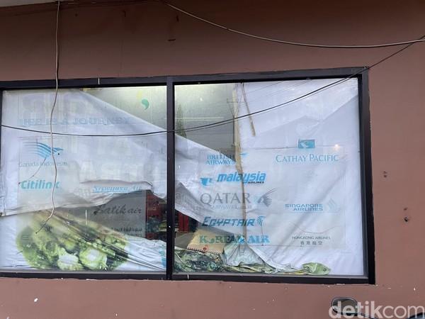 Pandemi Corona membuat destinasi wisata kuliner restoran Arab juga toko-toko lain berbau Arab gulung tikar. Salah satu yang begitu terkena dampak adalah Restoran Magadir, Cipanas, Cianjur.