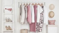 7 Alternatif Simpan Pakaian Tanpa Lemari, Hemat Tempat di Rumah Minimalis