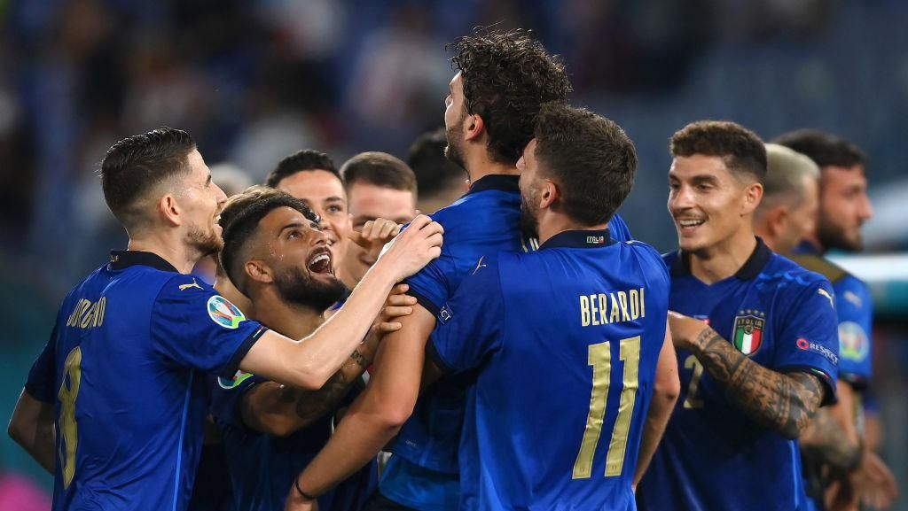 Gary Neville Sebut Italia Belum Benar-benar Teruji di Euro 2020