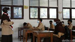 DisdikDKI: Uji Coba Sekolah Tatap Muka Disetop Bukan karena Tuntutan Ortu!