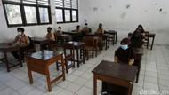 Ujicoba Sekolah Tatap Muka di Tengah Melonjaknya COVID-19