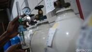 Stok Tabung Oksigen Medis di Pasar Pramuka Ludes Hari Ini!