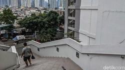 Tak hanya Wisma Atlet yang menjadi rujukan untuk penanganan COVID-19 di Jakarta. Ini dia beragam tempat yang diubah peruntukkannya guna menampung pasien Corona.