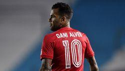 Dani Alves Sudah 38 Tahun, Masih Tampil di Olimpiade 2020