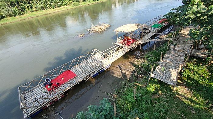 Warung Kali Brantas, Rumah Makan Tradisional di Tepi Sungai Brantas