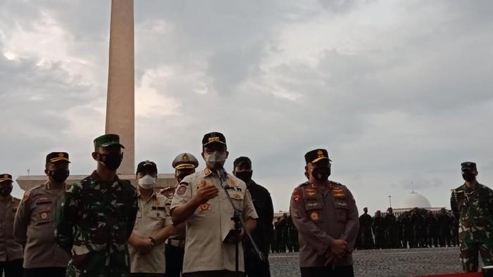 Gubernur Anies Baswedan di  Lapangan Silang Monas, Jakarta Pusat.