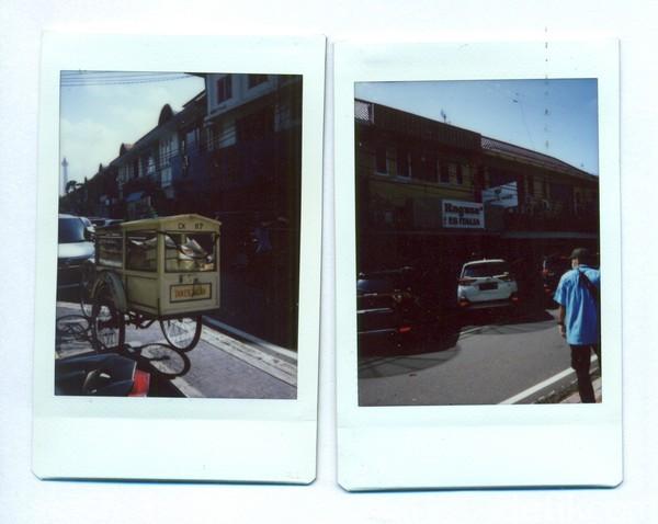 Mengunjungi Jalan Veteran di Jakarta Pusat, ada sebuah kedai es krim yang diketahui menjadi salah satu toko es krim tertua di Ibu Kota. Kedai es krim bernama Ragusa itu didirikan oleh Luigi Ragusa dan Vincenzo Ragusa yang berkebangsaan Italia pada tahun 1932 silam. Tak jauh dari kedai es krim Ragusa wisatawan tak jarang menemukan gerobak roti Tan Ek Tjoan. Merek roti ini disebut sebagai salah satu yang tertua di Indonesia. Berdiri sejak tahun 1921, merek roti ini cukup digemari di kalangan masyarakat tak hanya di Jakarta tetapi juga Bogor dengan ciri khasnya yakni roti bertektur keras.