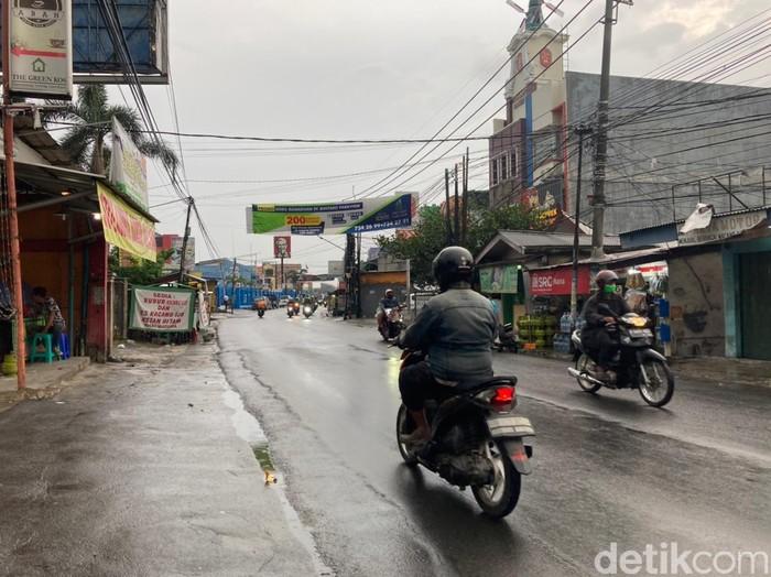 Jl Ceger Raya, Pondok Karya, Pondok Aren, Tangerang Selatan. (Annisa Rizky Fadhila/detikcom)