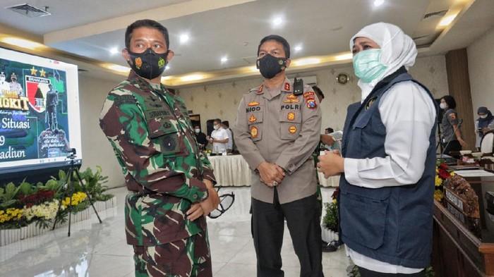 Kapolda Jawa Timur Irjen Nico Afinta, Pangdam V/Brawijaya Mayjen TNI Suharyanto dan Gubernur Khofifah
