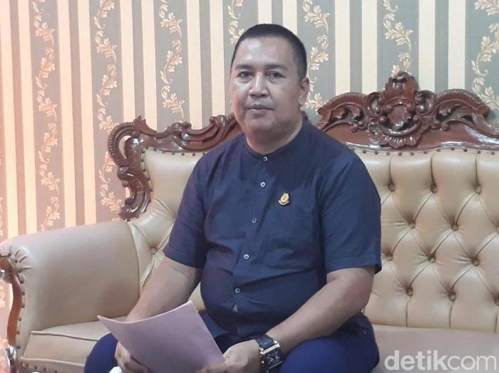Penyidik Kejari Kota Pasuruan menetapkan Plt Kepala Kantor Kemenag Kota Pasuruan, MF, sebagai tersangka korupsi Bantuan Operasional Pendidikan (BOP) Kemenag, untuk madrasah diniyah (Madin). MF ditahan di Lapas Pasuruan.