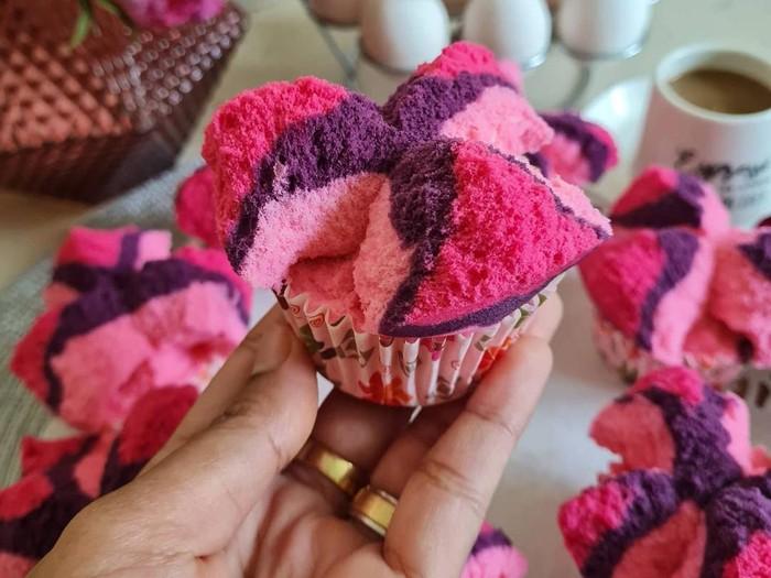 Keren! Wanita Asal Grobogan Ini Sukses Jualan Kue Tradisional di Dubai