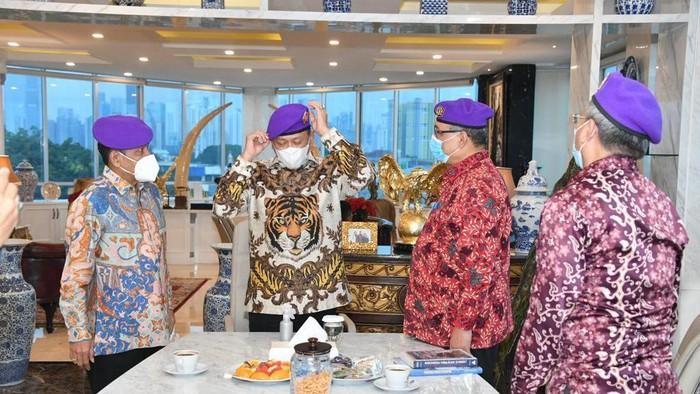 Ketua MPR RI Bambang Soesatyo diangkat menjadi Dewan Kehormatan Komando Resimen Mahasiswa (Menwa), Kamis (17/6/2021).