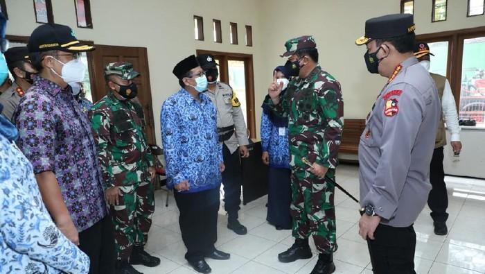Panglima TNI, Marsekal TNI Hadi Tjahjanto berkunjung ke Kudus (dok Puspen TNI)