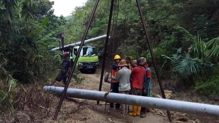 Pembangunan Jaringan Listrik di Kabupaten Sukabumi