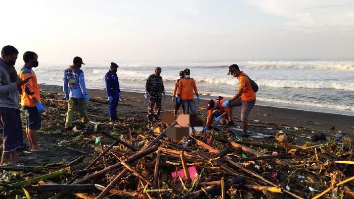 Penemuan mayat di Pantai Samas, Bantul