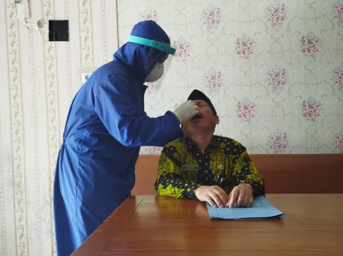 Plt Kepala Kantor Kemenag Kota Pasuruan, MF, terjerat kasus korupsi. Ia korupsi Bantuan Operasional Pendidikan (BOP) untuk madrasah diniyah (Madin).