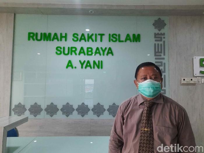 Kasus COVID-19 di Jatim terus naik. RS rujukan COVID-19 di Surabaya juga sudah ada yang hampir penuh dengan pasien COVID-19, seperti RSI Surabaya A Yani.