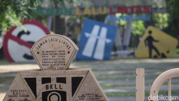 Ridwan Kamil menyatakan bahwa wilayah Bandung Raya siaga satu. DUa daerah di Bandung Raya masuk zona merah. (Wisma Putra/detikcom)