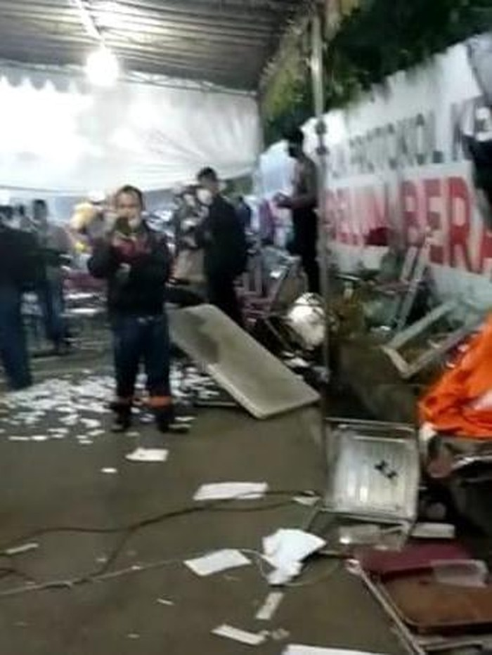 Viral Warga Madura Terobos dan Rusak Pos Penyekatan Suramadu