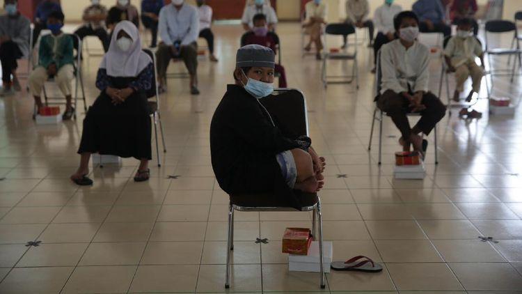 Berbagi Bersama Anak Yatim Terdampak Pandemi