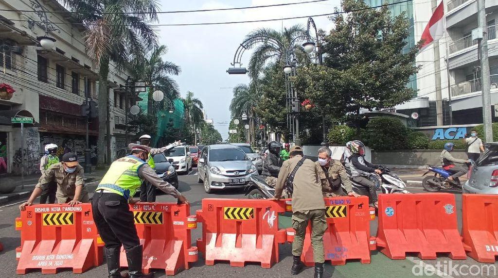 Buka Tutup Jalan di Bandung Imbas Corona Mengganas, Sampai Kapan?