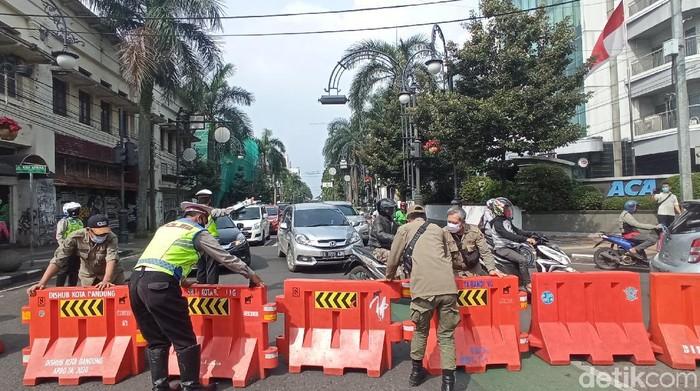 Buka Tutup Jalan di Kota Bandung
