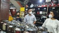 Dunia Kopi, Kios Milik Suradi yang Jadi Langganan Para Pejabat
