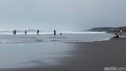 Ketika Pelaku Wisata Pantai Parangtritis Gigit Jari
