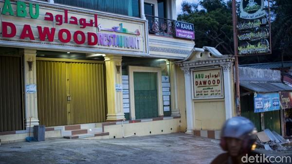 Tempat usaha dengan nuansa arabian kini tak semanis dulu, sejumlah tempat usaha nampak sepi hingga sebagian lainnya memilih untuk tutup.