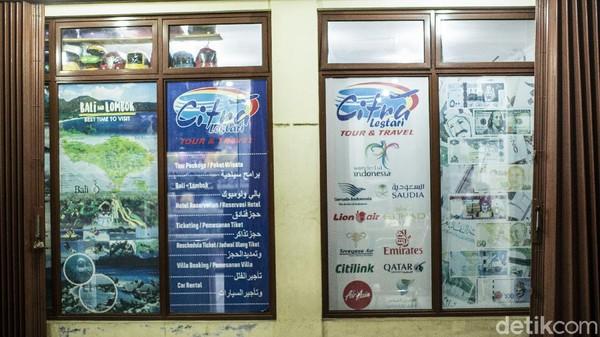 Selain itu usaha travel yang menawarkan perjalanan juga nampak terimbas, tak sedikit tempat usaha travel di Cipanas tutup imbas pandemi.